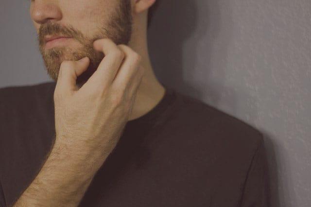 Cuida tu barba para que no te pique